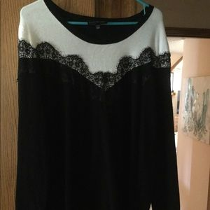Black and white size 22-24 sweater